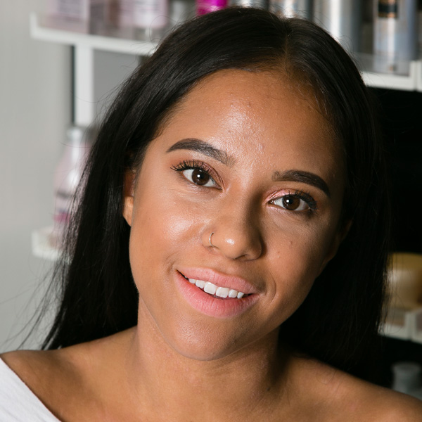 Emani Hair Stylist